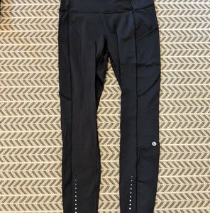 Lululemon 'like nothing's run tight size 6